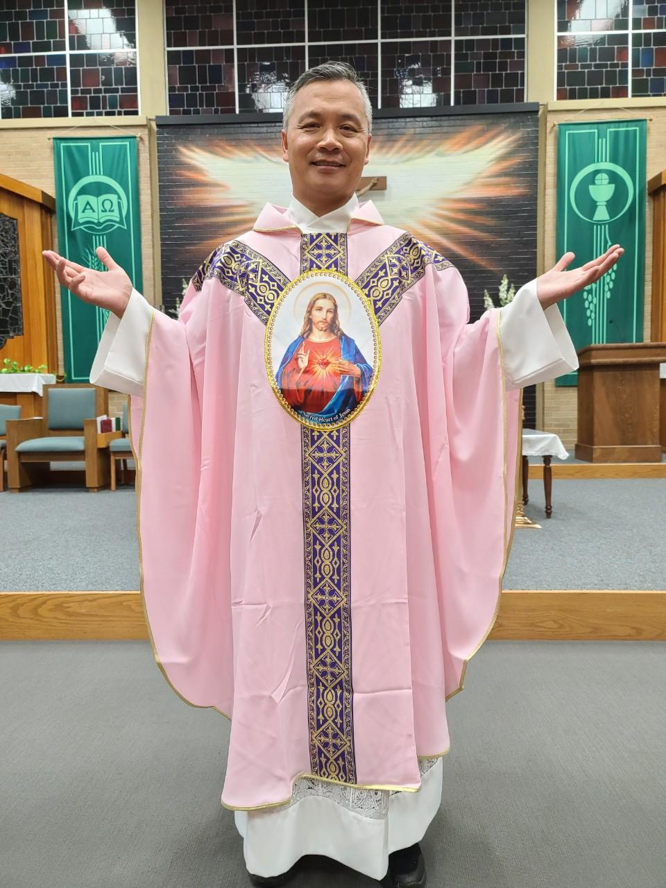 TWO HEARTS PINK VESTMENT 03