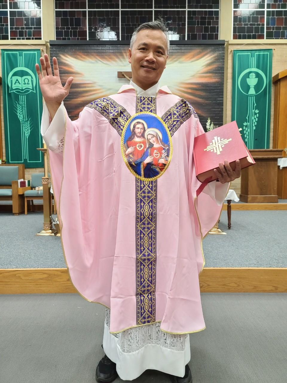 TWO HEARTS PINK VESTMENT